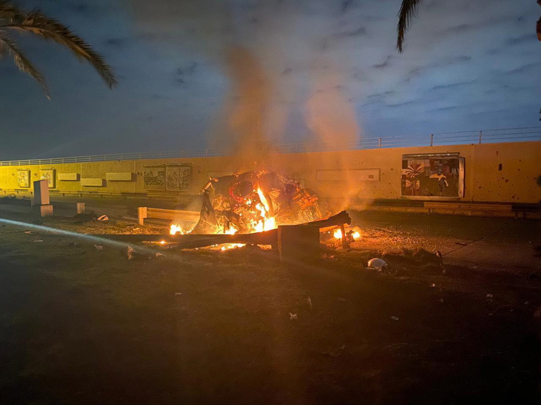 Иракски медии разпространиха снимка на мястото, на което е поразен Солеймани.