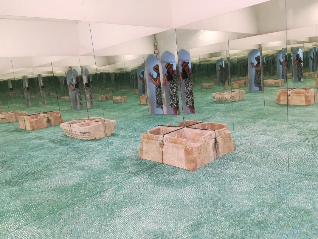 Сирийки - арт инсталация със стъклени топчета на Севдалина Кочевска