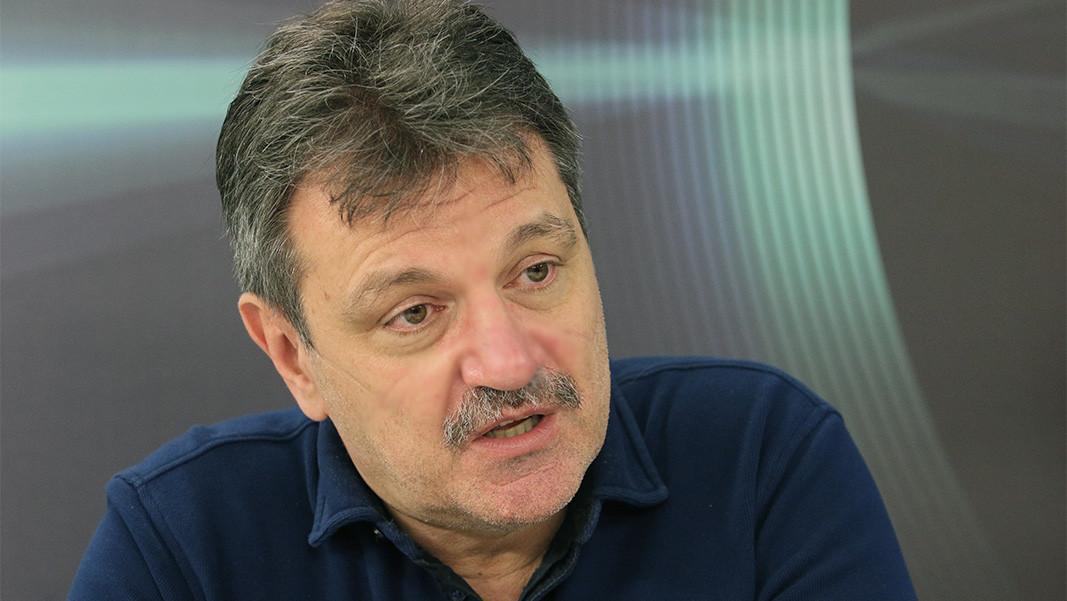 Alexander Simidchíev
