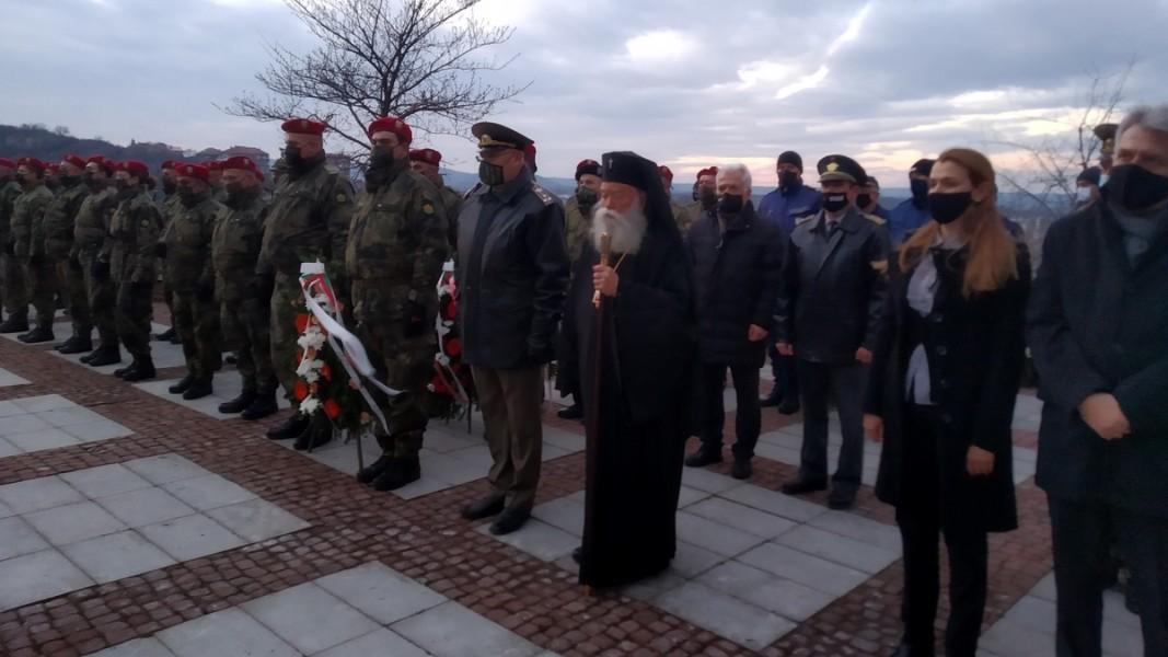148-годишнина от гибелта на Васил Левски беше отбелязана с възпоменателно гражданско поклонение в Ловеч. Снимка: Пламен Христов