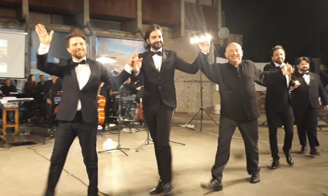 Четирима италиански тенори с доц. Христо Павлов      Снимка: Славена Илиева