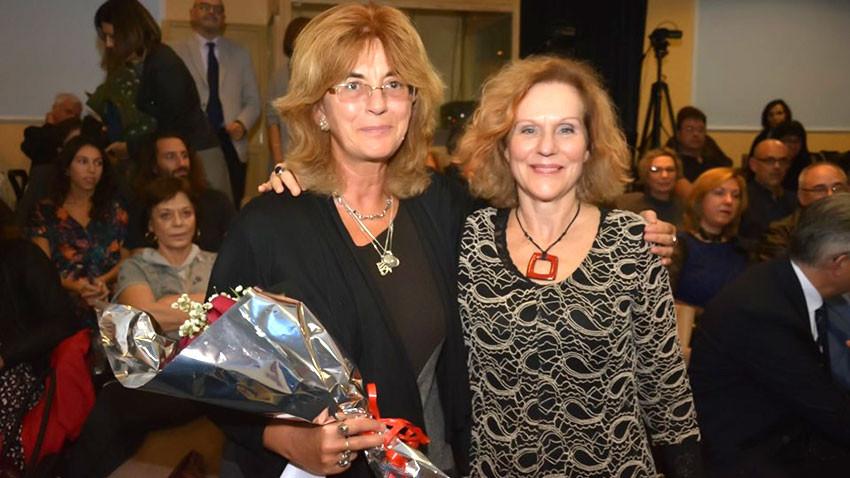 Η Ζντράφκα Μιχάιλοβα με την Έλενα Χουζούρη