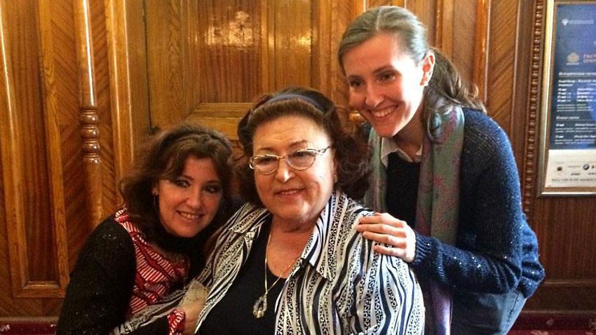 Kızı Silvana ve torunu Maria-Anna ile birlikte. Fotoğraf: Daniel Dimitrov