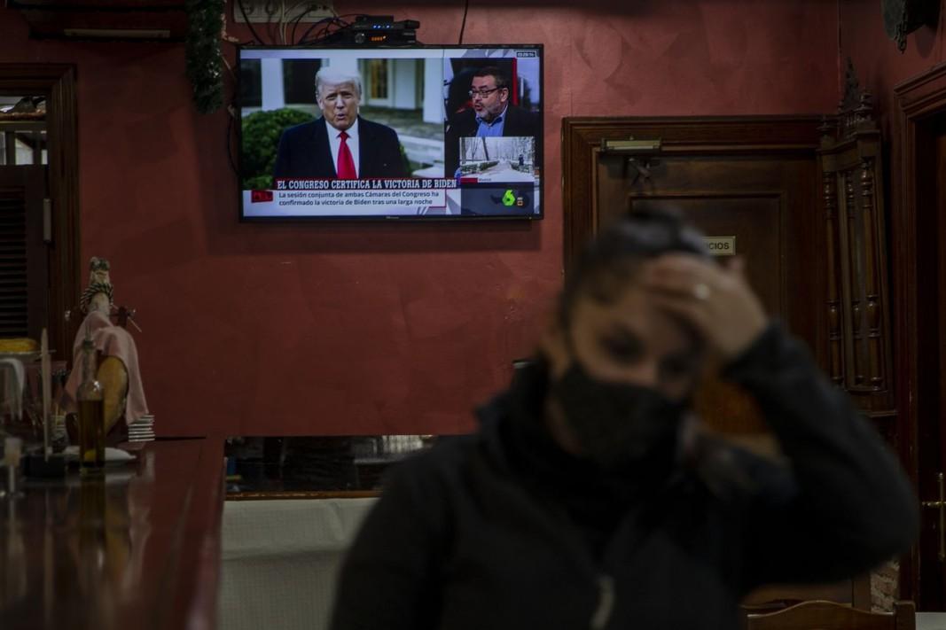 Мнозина на Запад се хващаха за главата, разбирайки за ставащото във Вашингтон.