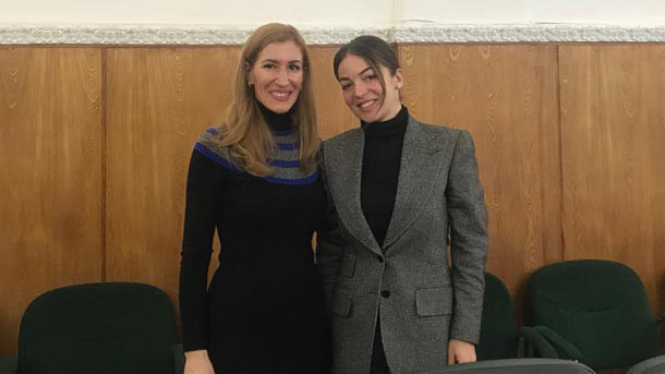 Николина Ангелкова и Зарина Догузова