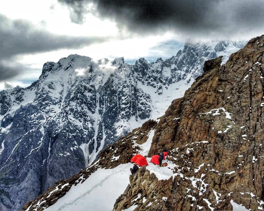 Лагер под връх Мучу Чхиш