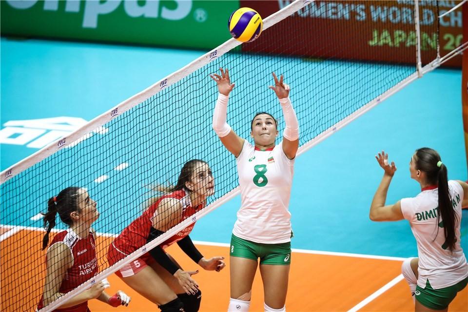 Националният отбор на България по волейбол за жени загуби от