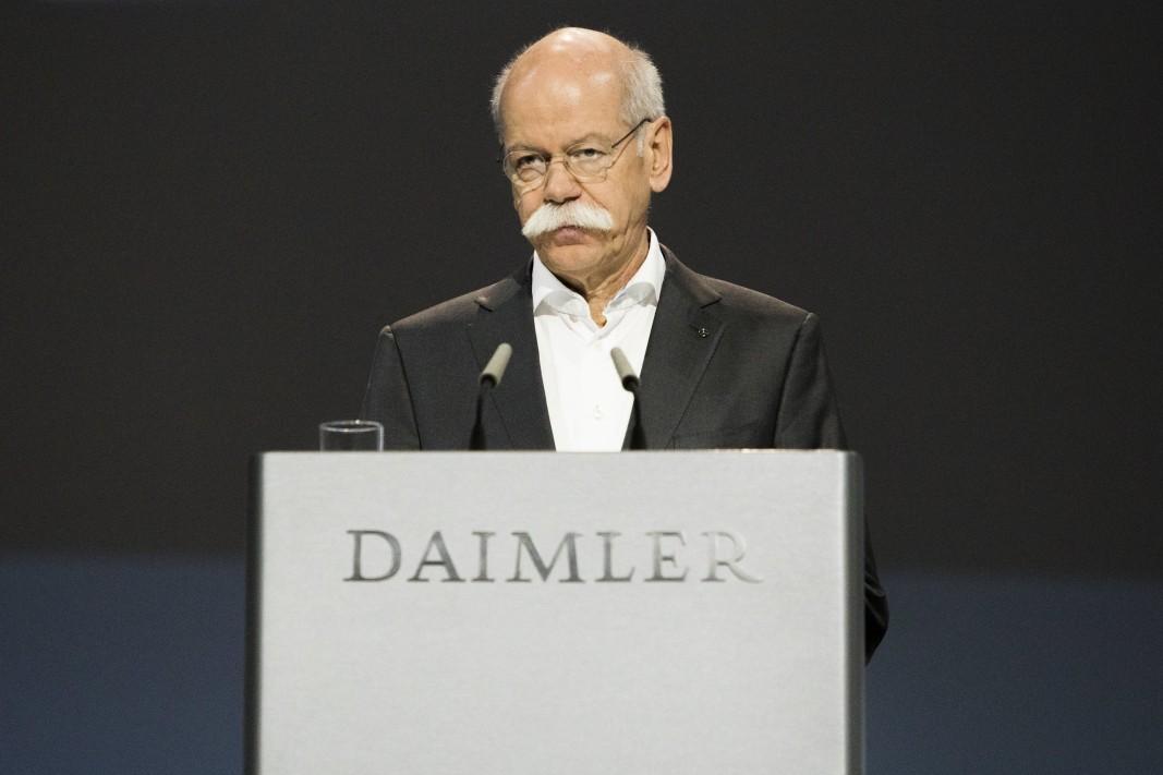 Акциите на Daimler AG се понижават рязко по време на