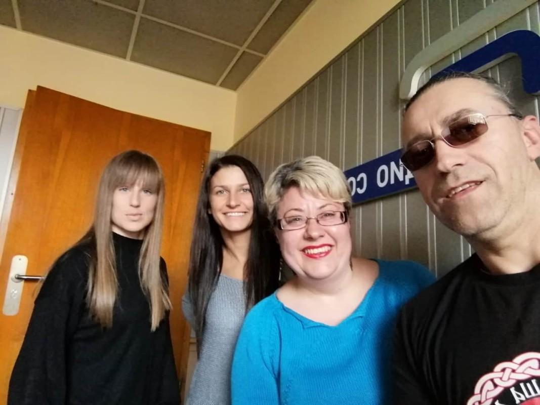 Анита Доганова, Бояна Николова и Светослав Николов и водещата Катя Василева
