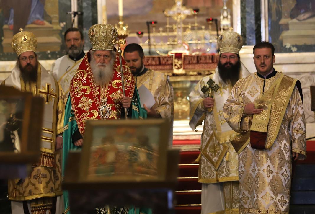 Молебен по случай Деня на българската просвета и култура и на славянската писменост отслужи патриарх Неофит.