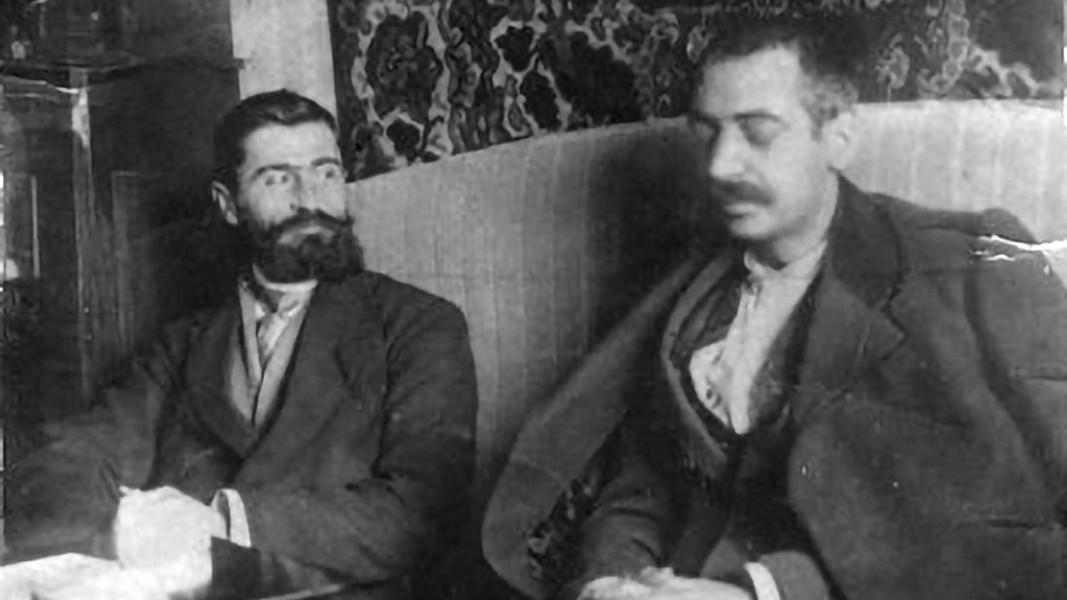 Тодор Александров и Пейо Яворов        Снимка: архив