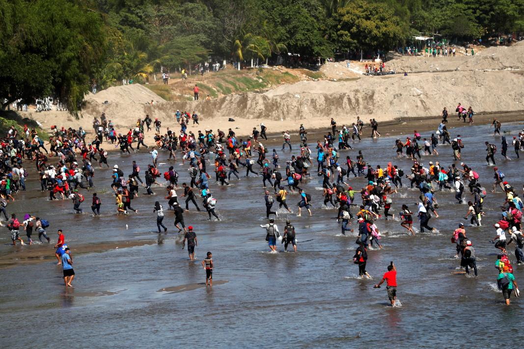 Повечето от мигрантите са от Хондурас.         Снимка: ЕПА/БГНЕС