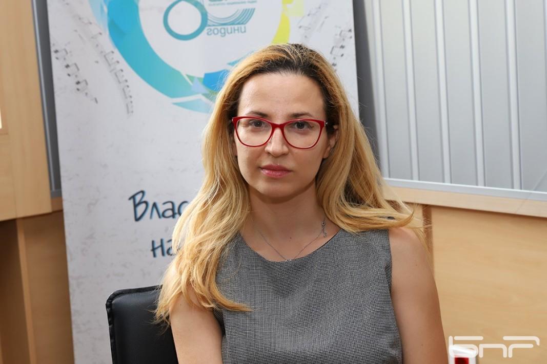Д-р Цветелина Великова