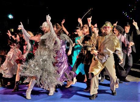 """Сцена от постановката на """"Парижки живот"""" на опера """"Монмартър"""" - Париж, 2019 г."""