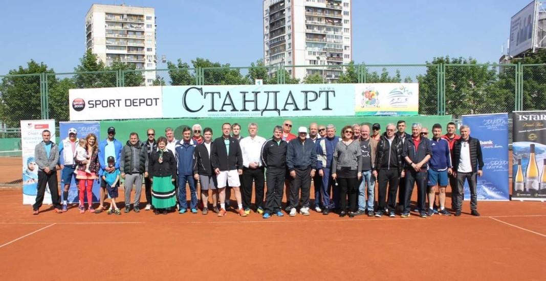 Участниците в турнира Лидерите.