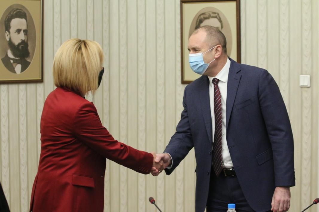 """Президентът разговаря и с лидера на """"Изправи се.БГ"""" Мая Манолова/БГНЕС"""