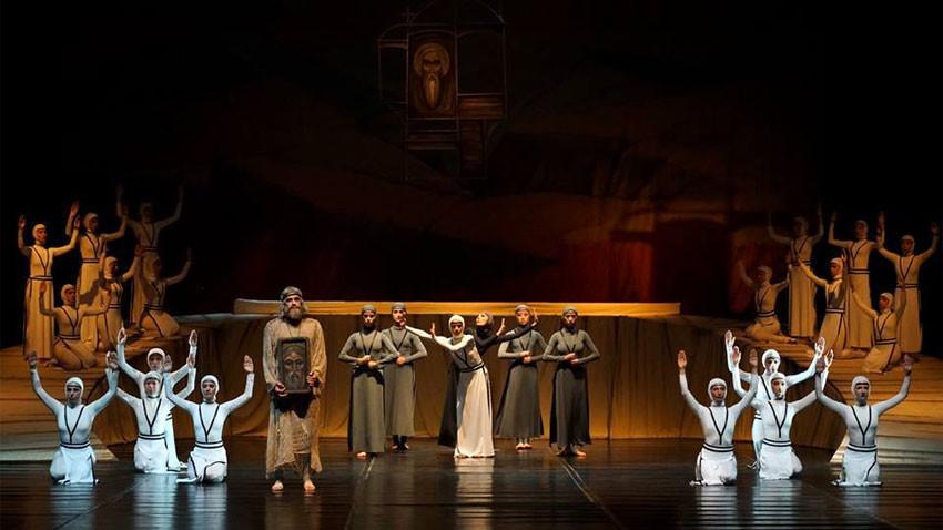 Най-старият извънстоличен оперен театър идва в София с някои от