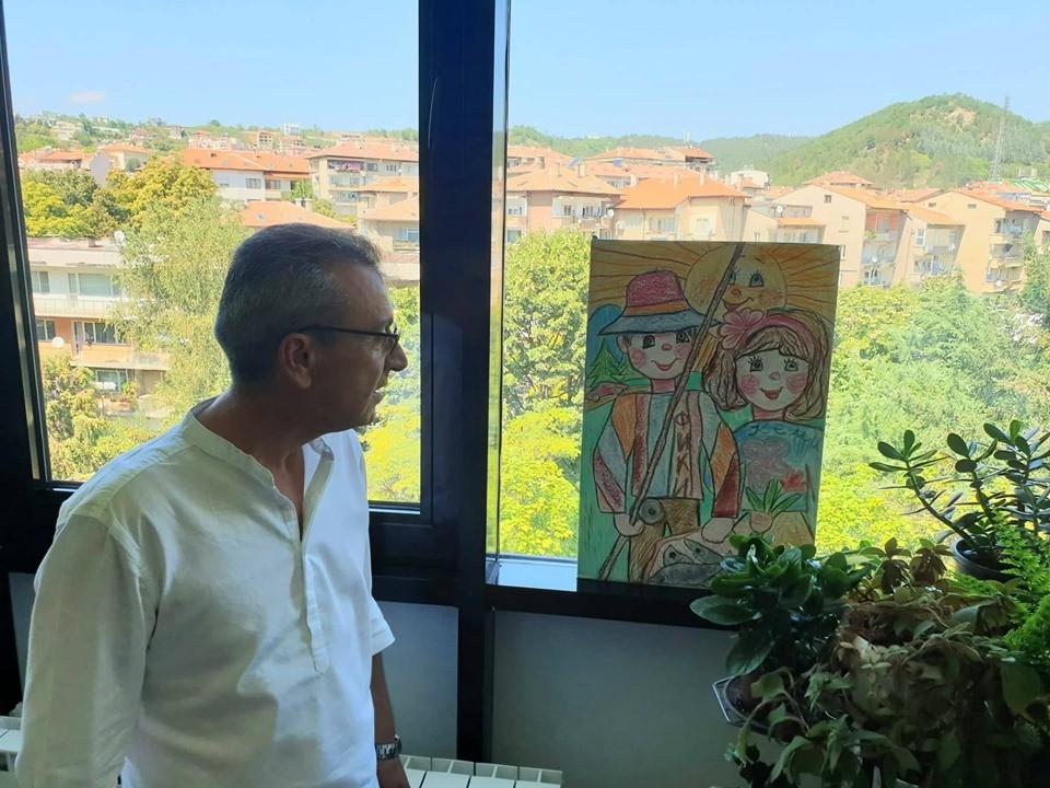 Александър Балев с подарената му от дете картина