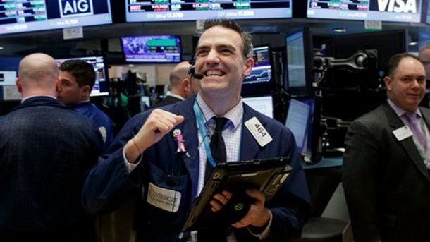 Акциите на американските компании поскъпват рязко в началото на търговията