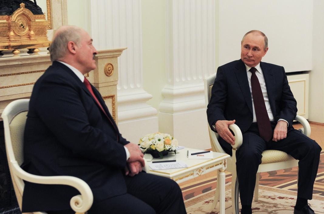 По време на срещата Путин - Лукашенко в Кремъл руският президент заяви готовността си да разговаря с украинския си колега в Москва - 22 април 2021 г