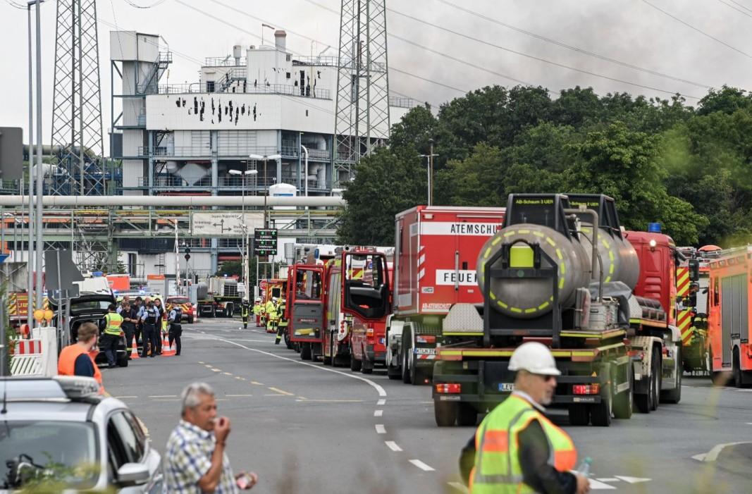 Пожарни на мястото на експлозията, ЕРА/БГНЕС