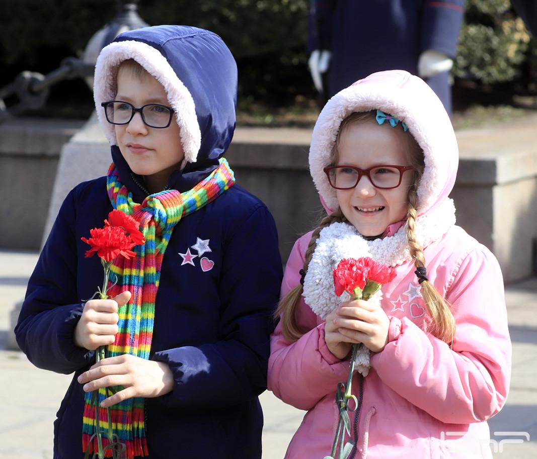 С поднасяне на цветя и венци пред паметника на Васил Левски в София бяха отбелязани 148 години от гибелта на Апостола