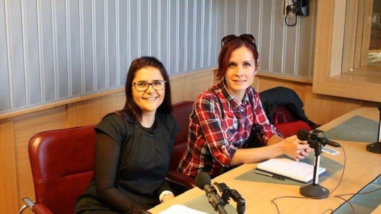 Monika Zlatanova (izq.) y Margarita Gabrovska, de la Fundación Nuestros Bebés Prematuros