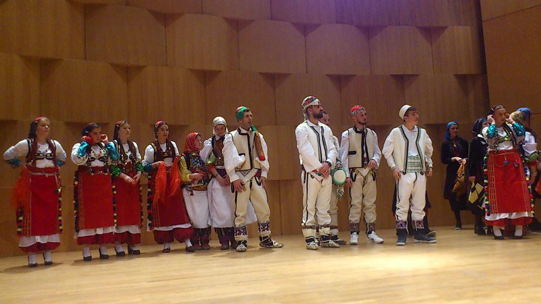 Представители на българското малцинство в Албания по време на откриването на XV Световна среща на българските медии, която тази година се проведе в Тирана