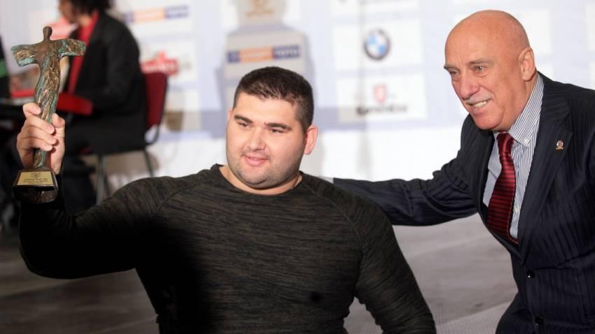 Rujdi Rujdi 2016 yılında Bulgaristan Olimpiyat Komitesi'nin yıllık ödülü  ile.