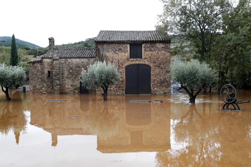 13 души са станали жертви на наводненията в Южна Франция,