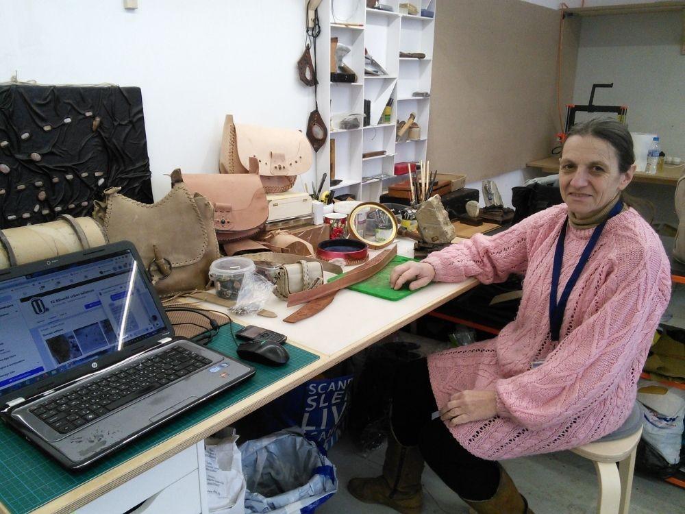 Мариета Недкова, мастер кожаных изделий