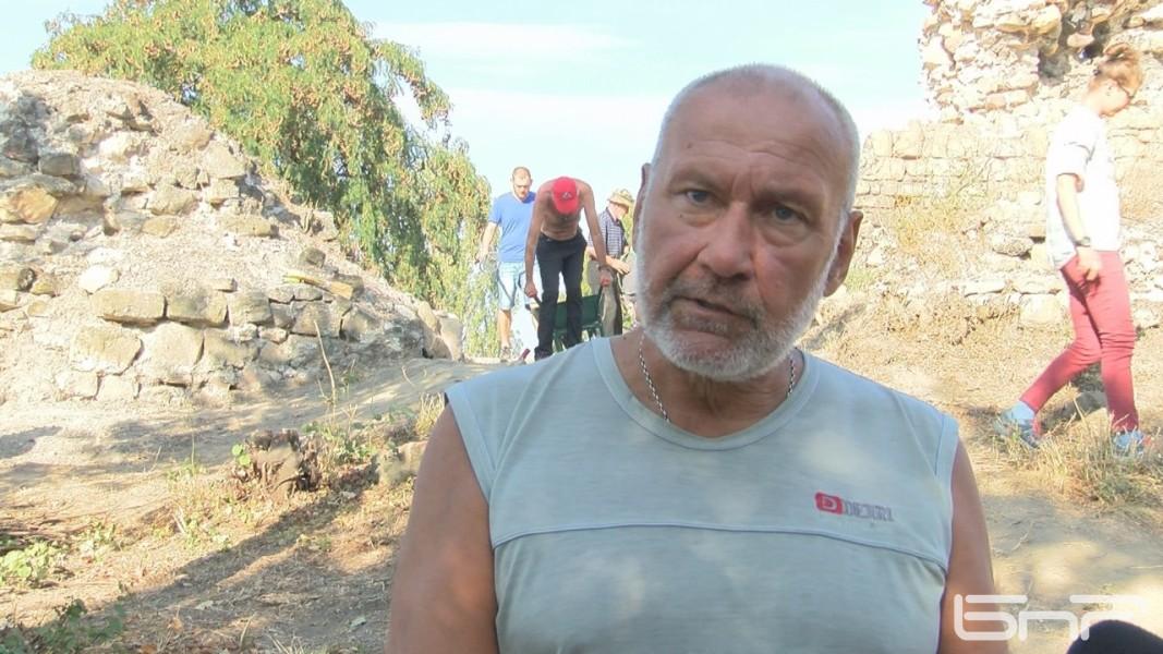 проф.Николай Овчаров
