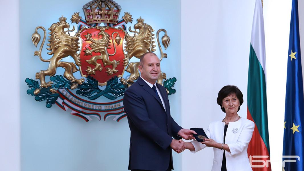 Президентът с Венеция Караманова/Ани Петрова