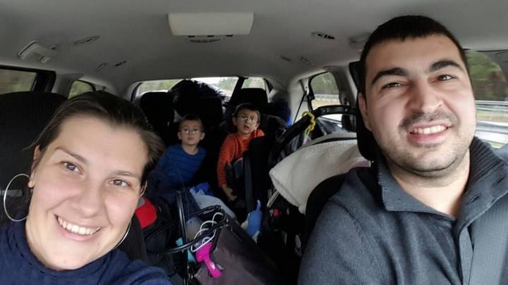 Защо едно семейство с три деца се завърна в България