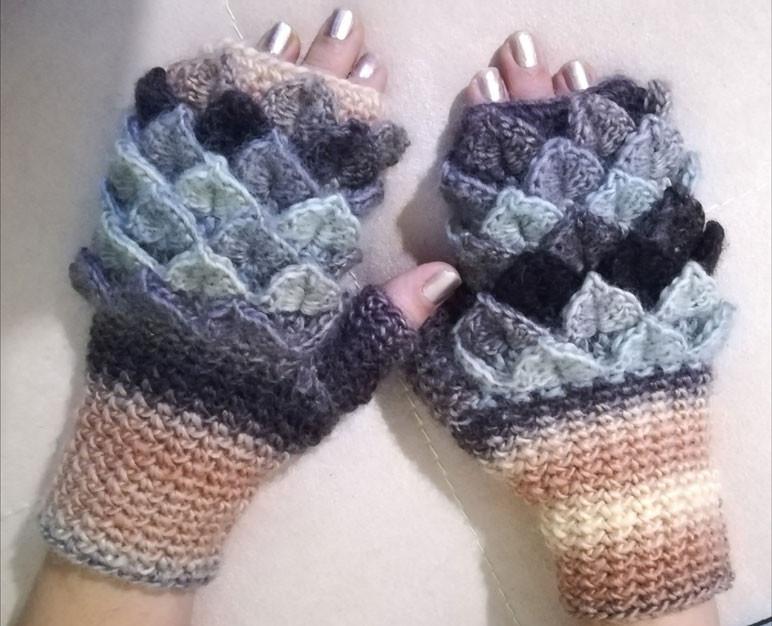 7bb88918fdce Τα γάντια της Μιλένα Στέφανοβα είναι κόσμημα για τα χέρια κάθε ...