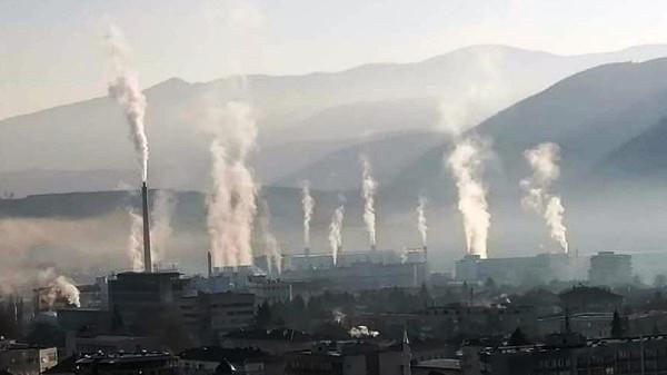 Жителите на Пещера са убедени, че заводът на братя Домусчиеви трови въздуха на града