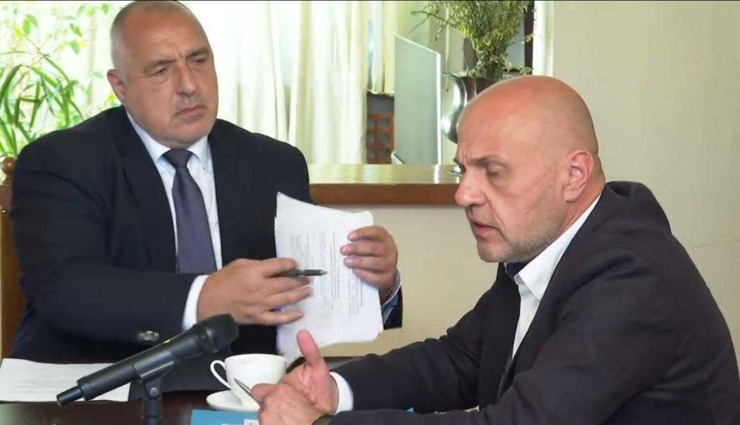 Премиерът и вицепремиерът в оставка Бойко Борисов и Томислав Дончев - 28 април 2021 г.