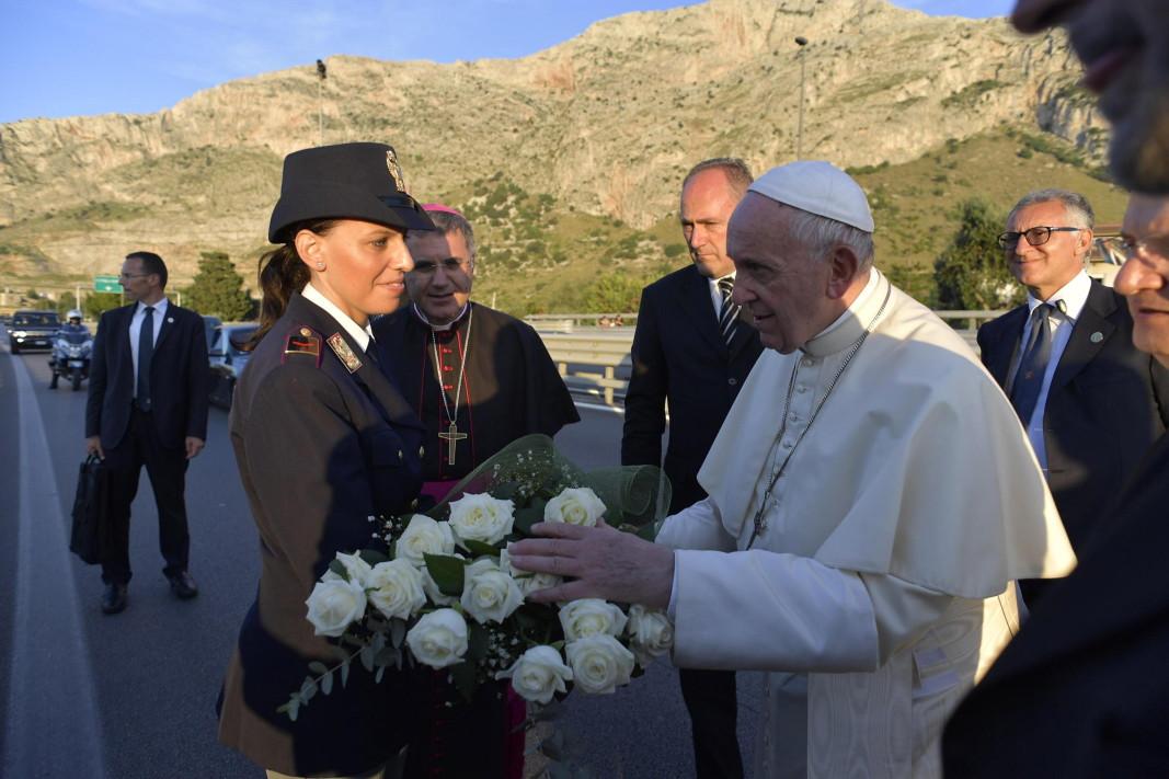 Мафиотите не живеят съгласно християнските норми, заяви папа Франциск по