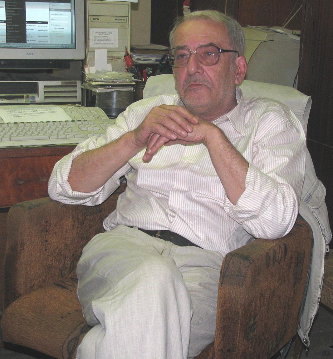 Николай Асенов, издател и основател на вестник