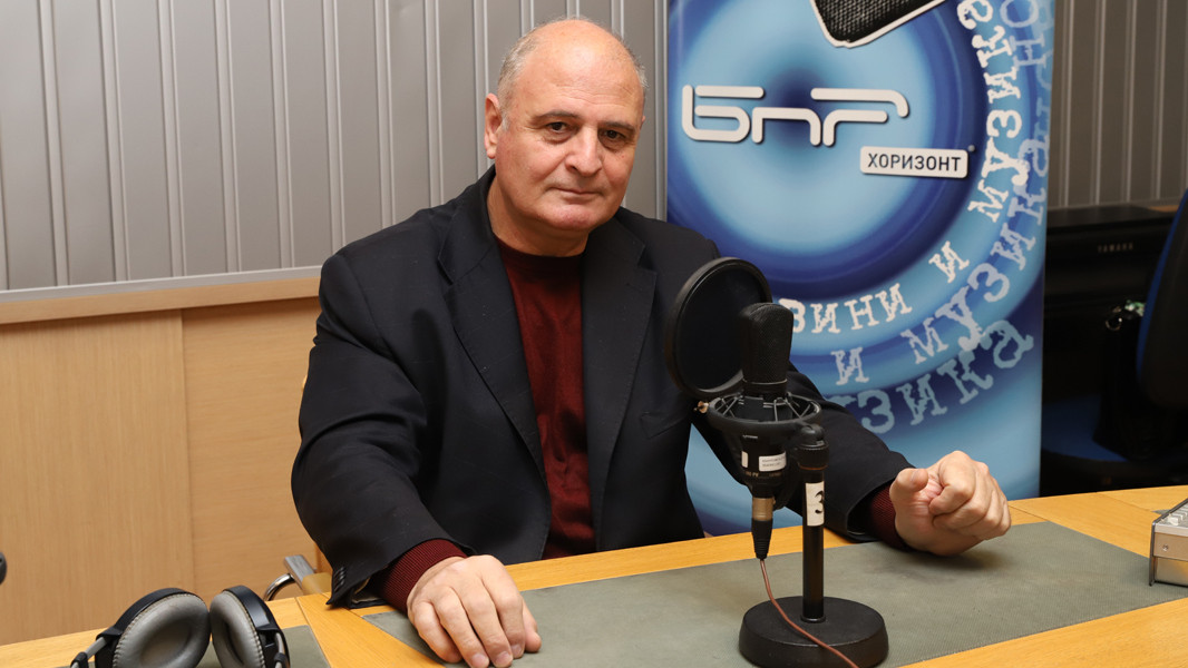Николай Радулов