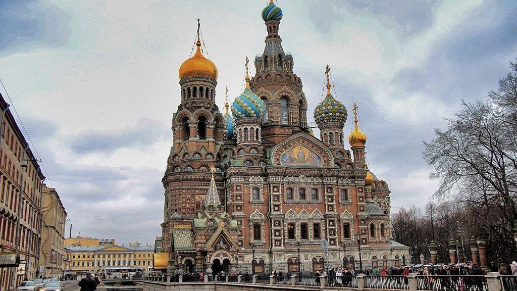 """Храмът """"Възкресение Христово"""" в Санкт-Петербург, издигнат на мястото, където е убит император Александър ІІ"""