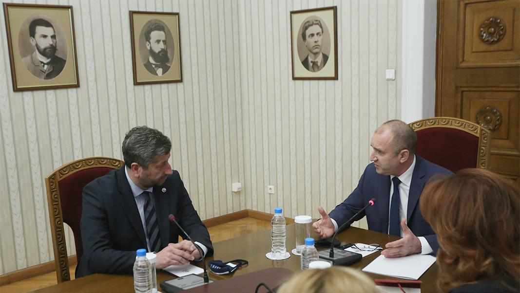 Hristo Ivanov from Democratic Bulgaria talking to President Radev during today's consultations