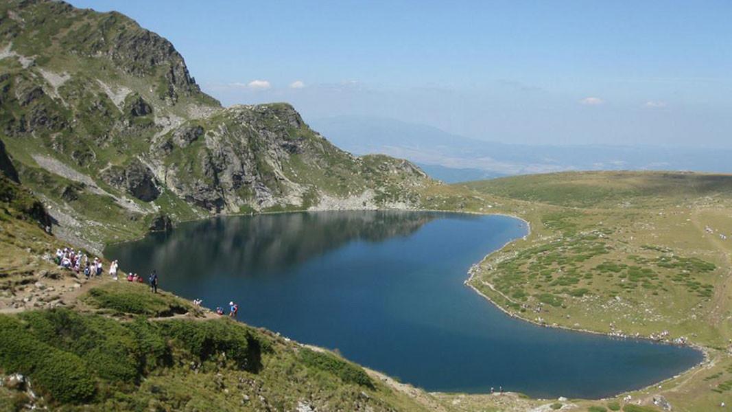 Озеро Бабрека в горах Рила