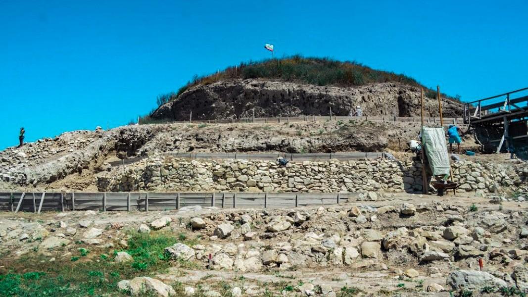 3000 години преди построяването на първата пирамида в Древен Египет край днешния град Провадия се издига внушителна каменна крепост