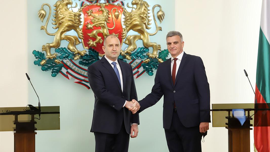 President Rumen Radev (L) with caretaker PM Stefan Yanev