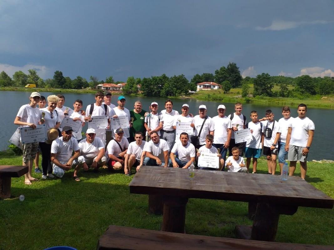 Участници в спортен риболов Кирково 2019