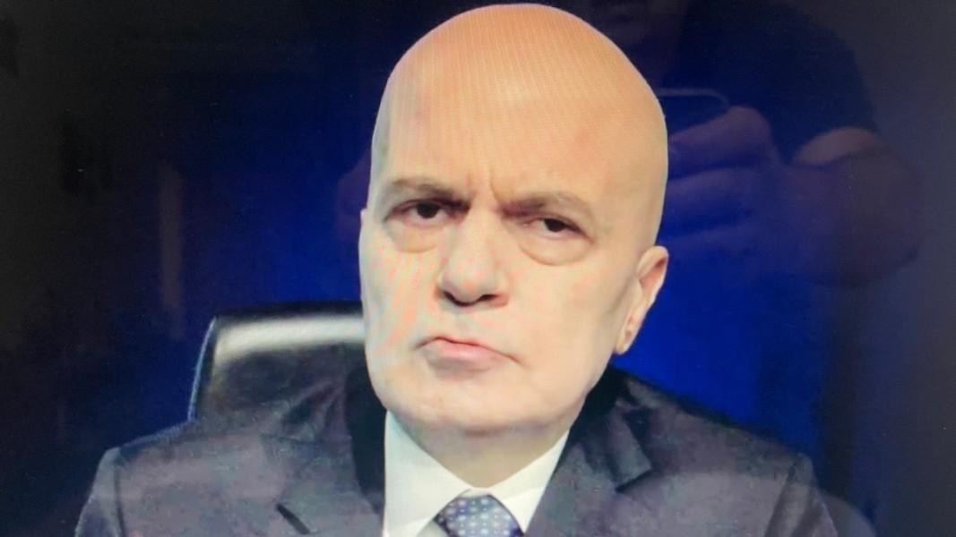 Слави Трифонов по време на телевизионното представяне на проектокабинета на ИТН   Снимка: БГНЕС