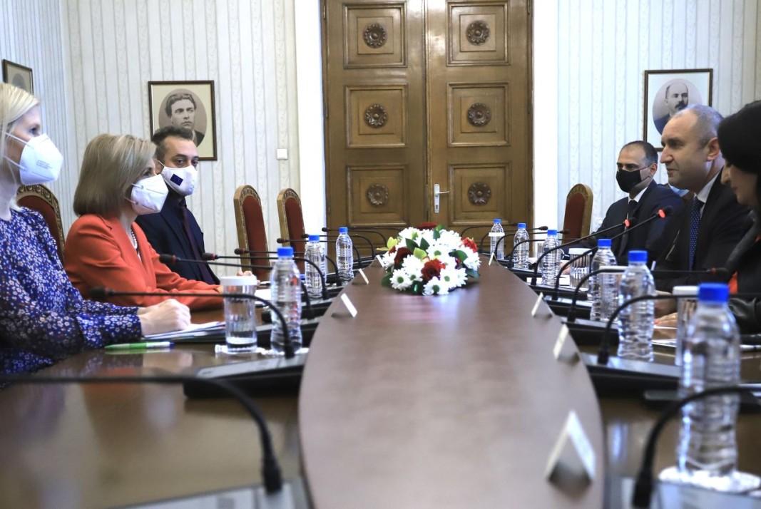 Стела Кириакиду разговаря и с президента Румен Радев. Снимка: БГНЕС
