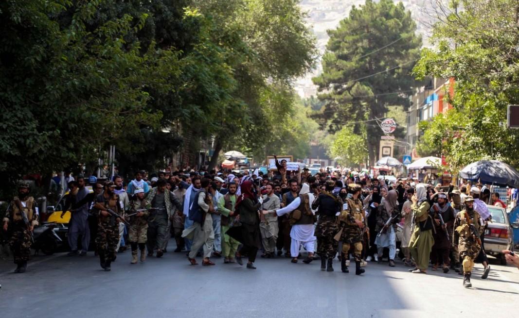 Протестът срещу Пакистан в Кабул. Снимка ЕПА/БГНЕС