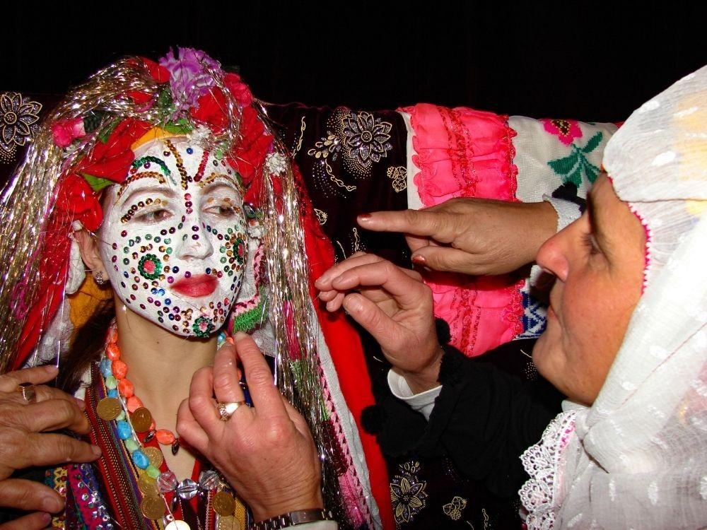 Decoración de la novia en el pueblo de Ribnovo